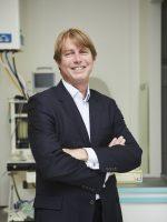 Dr Robin Van Lingen